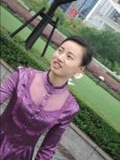 姓名:王爱娟  职务:园长  学历:本科  职称:中级职称  寄语:只有心中装满爱的光芒,才会有幼儿教育的辉煌。